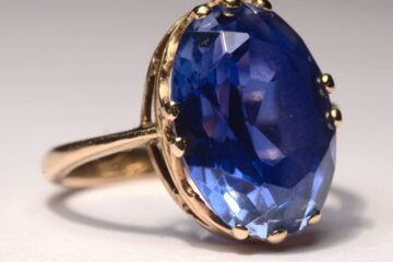 The gemstone is a beautiful ornament type material!!